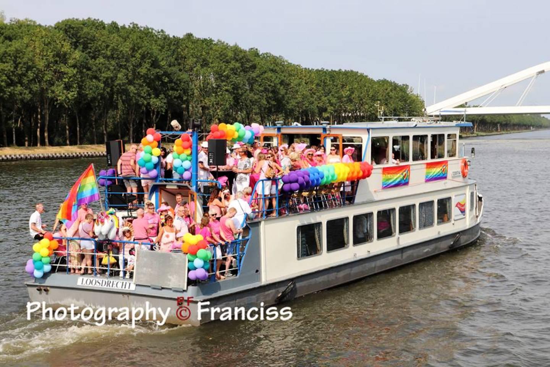 Gay Pride Rederij Loosdrecht 3